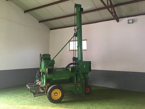 UGTL-4 Maize Threshing Machine Maize Thresher Automatic-Feeding