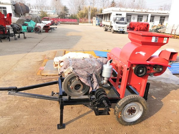 UGT-20 Corn Husking and Threshing Machine Portable with Towing Bar for Tractor Powered by Motor or D